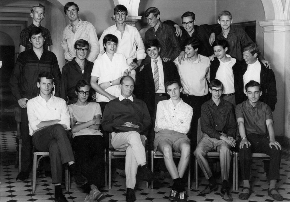 wilhelmsgymnasium m nchen absolvia 1970 klassenfotos. Black Bedroom Furniture Sets. Home Design Ideas